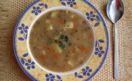 Čočková polévka s bramborami
