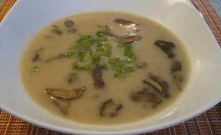 Houbová polévka bílá