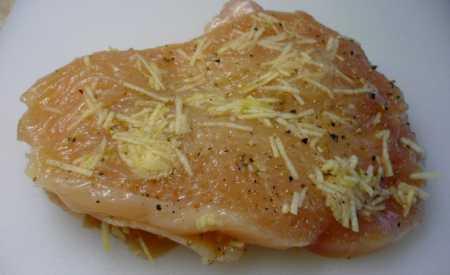 Dušená kuřecí prsa na česneku