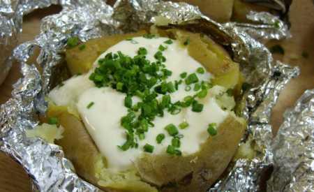 Ořechové pečené brambory
