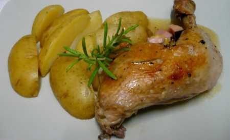 Kuře s rozmarýnem pečené na víně