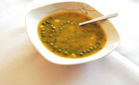 Hrášková polévka se zeleninou
