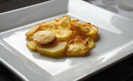 Pečené brambory s máslem