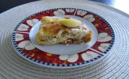 Buchta s jablkovou náplní