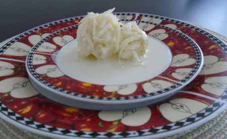 Vařený květák se sýrovou omáčkou