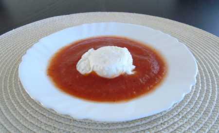 Ztracená vejce s rajčatovou omáčkou