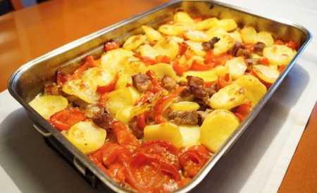 Zelenina zapečená s masem