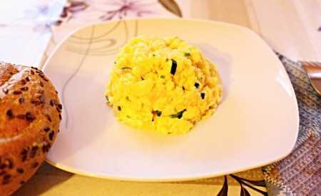 Míchaná vejce s pažitkou