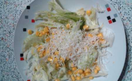 Malý Caesar salát jako side salad