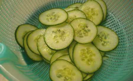 Rychlý okurkový salát