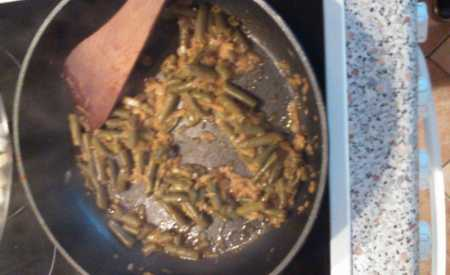Těstoviny s fazolkami a sýrem