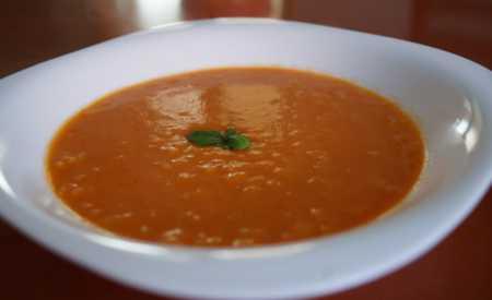Rajská polévka s dlouhozrnnou rýží
