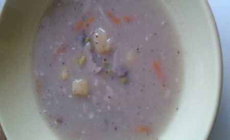 Bramborová polévka česneková