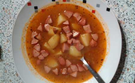 Bramborový guláš s rajčaty