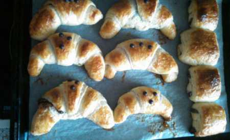Croissanty s nugátovou náplní