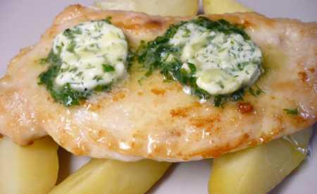 Kuřecí řízky s bylinkovým máslem