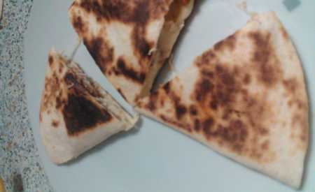 Tortily s kuřetem – pequeña quesadilla