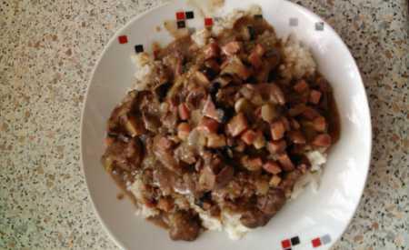 Kuřecí játra s rýži na způsob Pilafi
