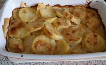 Zapečené sýrové brambory