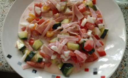 Míchaný salát s kefírem