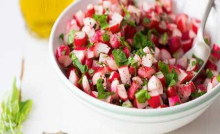 Ředkvičkový salát s řepou
