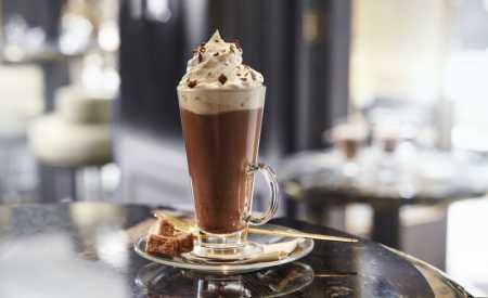Horká čokoláda s vůní rumu