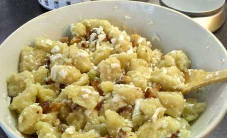 Bramborové knedlíky ze syrových brambor