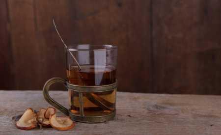 Čaj z jablečných křížal