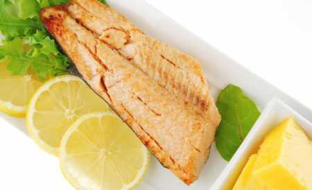 Filety z lososa pečené na másle