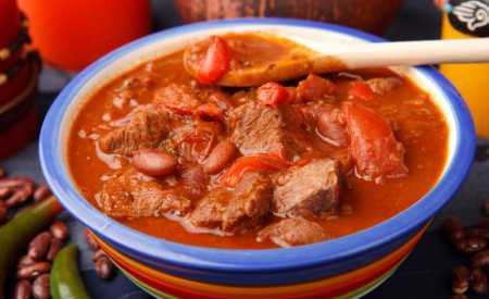 Hovězí maso v rajčatové omáčce