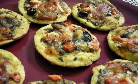 Italské sýrové koláčky s pestem