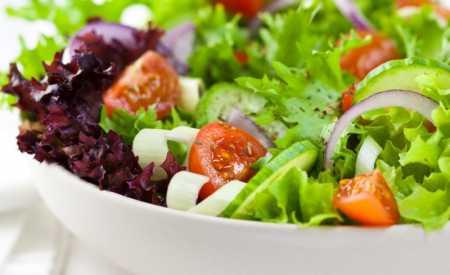 Jarní míchaný salát