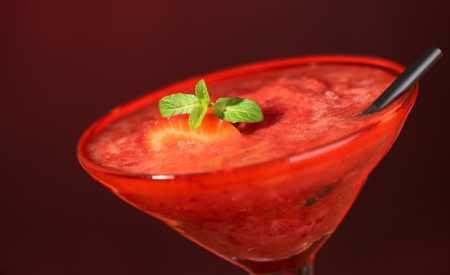 Ovocný nápoj s mátou