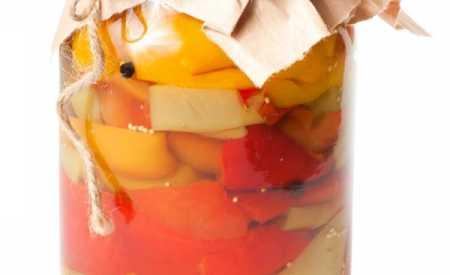 Papriky nakládané v oleji