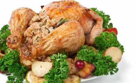 Pečené kuře s žemlovou nádivkou